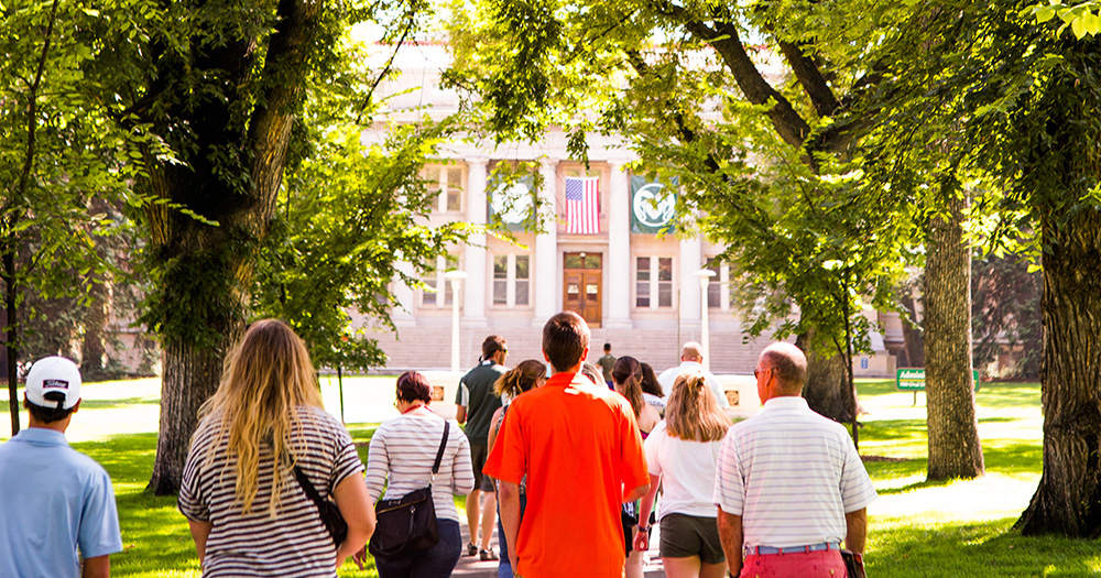 Blog Header: How to Make the Most of Your Campus Visit